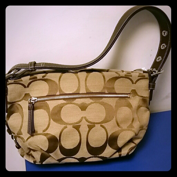 Coach Handbags - NWT COACH DUFFEL BAG